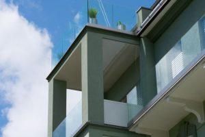 Glas Geländer